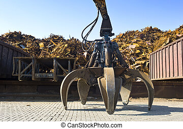 Scrap Heap Claw - A huge mechanical claw, used to manipulate...