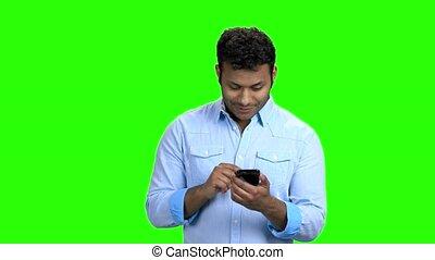 screen., téléphone, indien, vert, utilisation, homme, beau