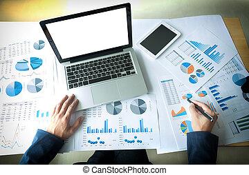 scrivania, documenti, ufficio, tavoletta, grafico, cima, laptop, affari, lavorativo, suo, uomo, dati, vista