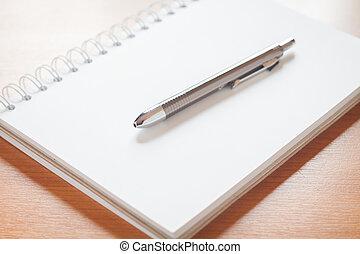 scrivania, penna, quaderno, vuoto, bianco, aperto