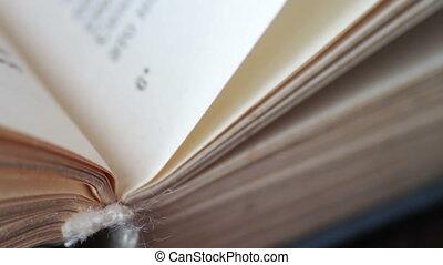 Scrolling a Book in Macro
