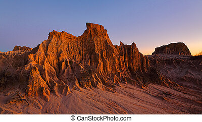 Sculpted landforms in the desert - Landforms sculpted by ...