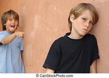 scuola, attaccabrighe, bambino, essendo, bullied, in, campo di gioco