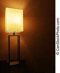 scuro, lampada tavola, illuminato, stanza