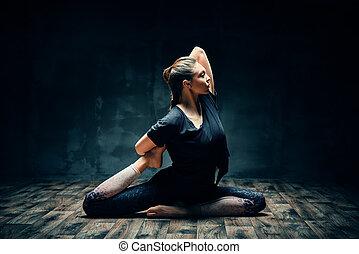 scuro, re, piccione, giovane, yoga, attivo, uno, stanza,...