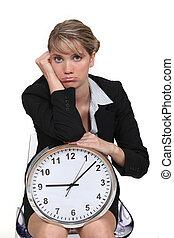 se, blondin, uttråkad, klocka