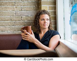 se, fönster, kvinna, genom, cafeteria