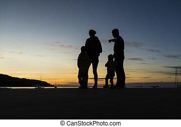 se, solnedgång, silhouetted, familj, utomhus