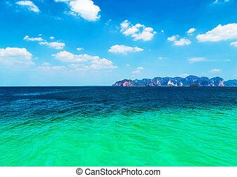 sea blue tropical climate