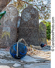 Sea fishing traps