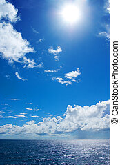 Day. Sunrise. Clouds. Sea. Idill.