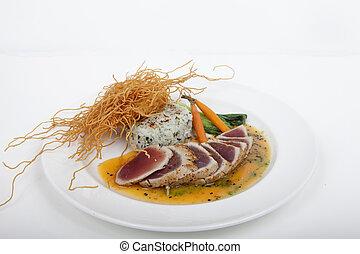 seared ahi tuna with sushi roll