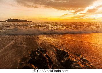 Seascape sunset long exposure technique
