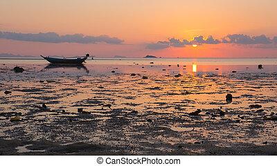 Seashore sunset landscape, Thailand. View of the Koh Phangan...