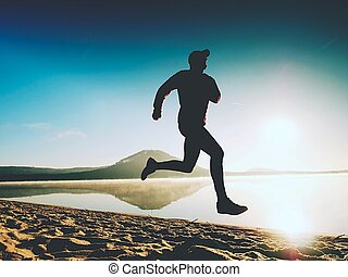 seaside., silueta, corredor, atleta, playa, corriente, deportista, time., condición física, crepúsculo, hombre