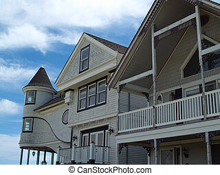 Seaside Victorian Homes - old Victorian houses by the sea in...
