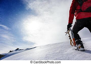 season., winter, besneeuwd, bovenzijde, piek, bergbeklimmer, aankomen