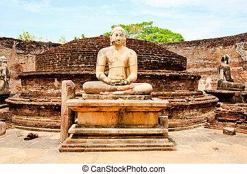 seated buddha image in vatadage