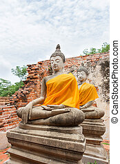 Seated Buddha statues