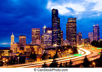 Seattle at Night - Seattle weekend traffic