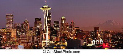 Seattle skyline and Mount Rainier panorama - Striking...