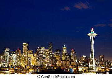 Seattle skyline at dusk - Seattle skyline with Space Needle...