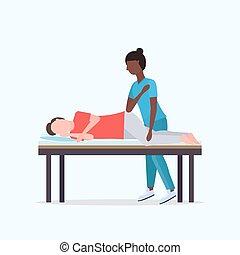 sebesült, gyógyulás, fogalom, türelmes, tele, fekvő, masszőz, kézikönyv, amerikai, ágy, rehabilitáció, hosszúság, gyógyász, terápia, bánásmód, afrikai, pasas, sport, masszázs, masszázs, fizikai