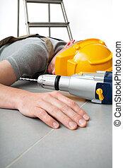 sebesült, munkában