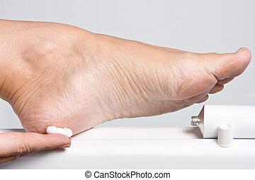 sec, pieds