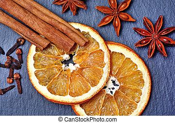 secado, laranja, fruta, com, temperos, ligado, ardósia