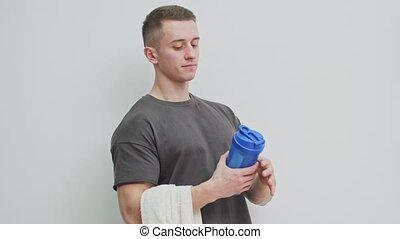 secousse, après, homme, workout., protéine, prépare, athlétique