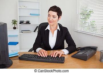 secretario, mecanografía, keybord, ella, simpático