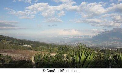 secteur, droit, volcan, cuicocha, vue, ecuador., panoramique, appareil photo, imbabura, lagoon., mouvements, gauche