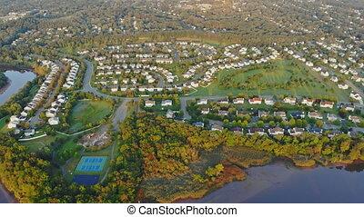 secteur, maisons, bâtiments, usa, secteur, sunlights, résidentiel, sur, matin, eau, river., panorama, tôt, nouveau, dormir