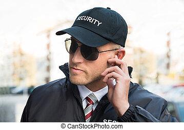 security bevogt, lytte, til, earpiece