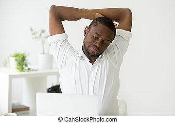 sedent, ufficio, stiramento, americano, africano, esercizi, uomo