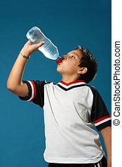 sediento, niño, agua potable
