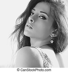 sedutor, flertar, mulher, com, bonito, makeup., preto branco, retrato