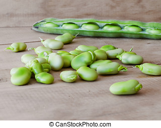 Seedcase lima beans. - Ecological seedcase lima beans in a...