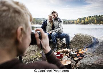 seeufer, paar, fotografieren, camping, mann