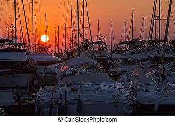 Segelbåtar, Master, solnedgång