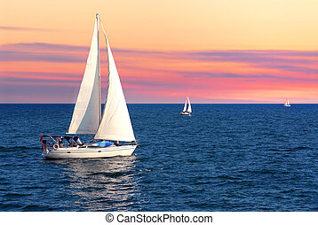 segelboote, an, sonnenuntergang