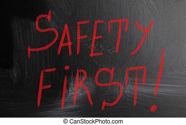 segurança, primeiro