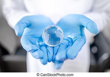 segurando, cristal, mundo, mão, bola, doutor