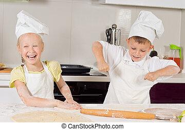 sehr, glücklich, junge küchenchefs, vorbereiten nahrung, essen