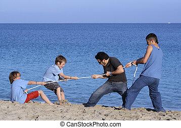 seilziehen, spiel, kinder, spielende , an, sandstrand, mit, unfairer vorteil