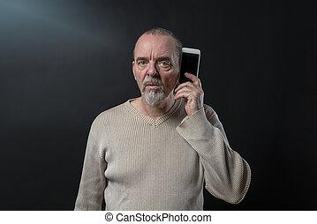 seine, altes , smartphone, verstehen, not, mann