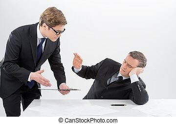seine, arbeitende , sitzen, boss., mittleralter, mitarbeiter, formalwear, sprechende , ort, gelangweilte , mann