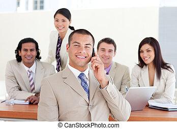 seine, selbstbewusst, telefon, manager, mannschaft, front