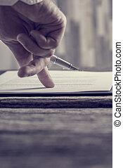 seine, zeigen, zeichen, vertrag, hand, finger, geschäftsmann, dokument, wohin, oder